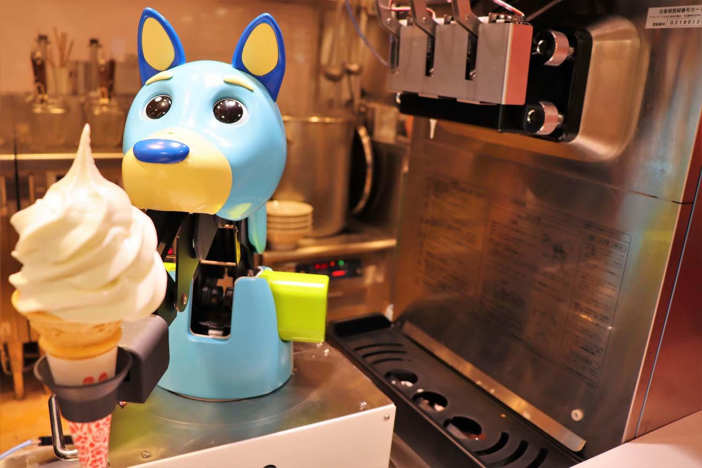 子供にも愛されるソフトクリームロボット